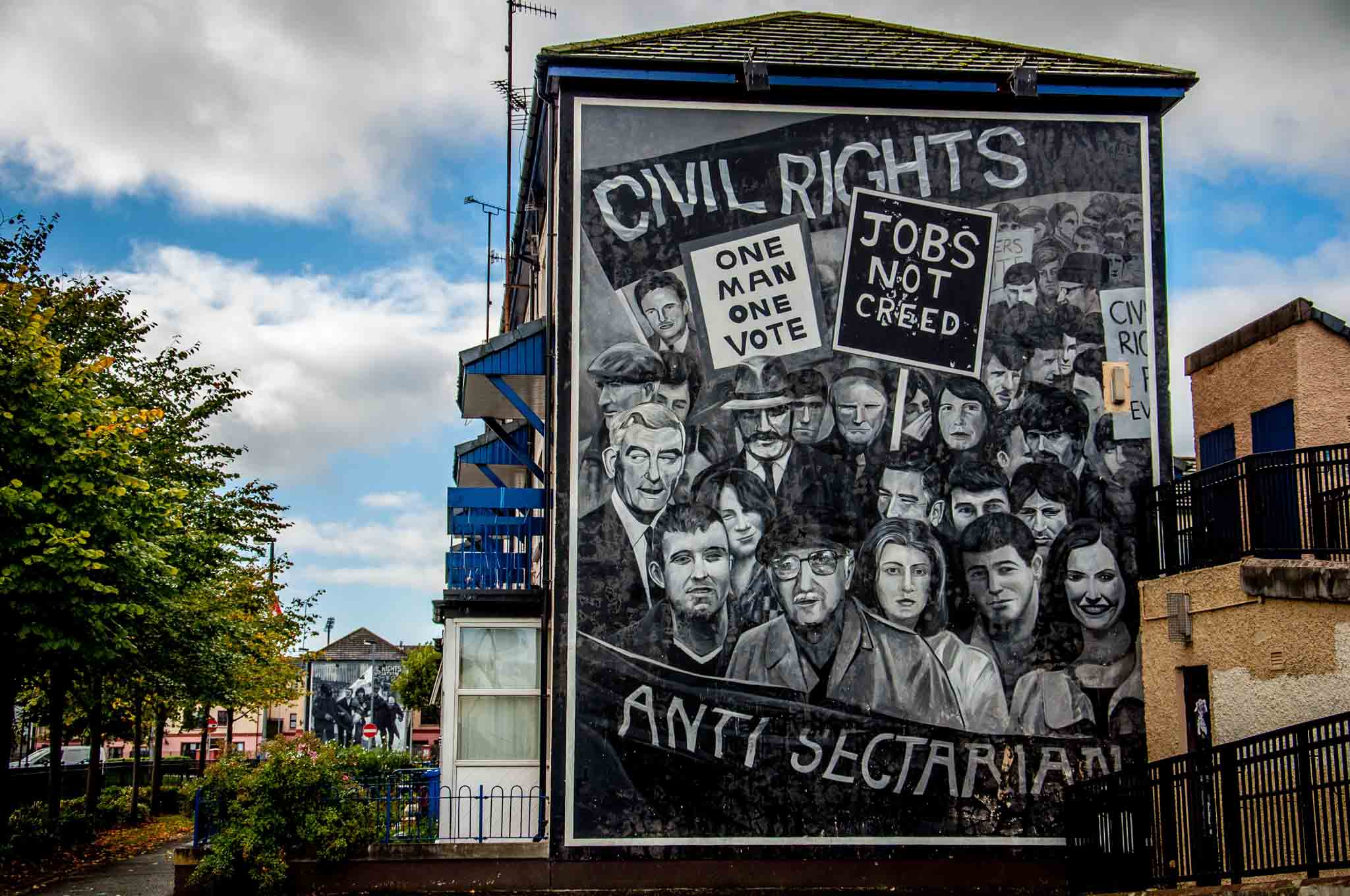 derry murals the troubles of northern ireland travel